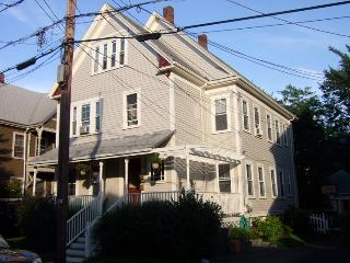 Sunny 2 Bedrooms Victorian Fully Furnished Condo - Greater Boston vacation rentals