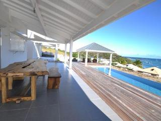 Beautifull Villa 4 Bedrooms / Pool - Sea ViewPINEL - Orient Bay vacation rentals