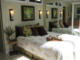 Cozy Cottage with Deck and Internet Access - Kapaa vacation rentals
