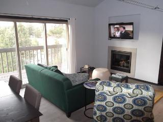 Modern Family Living in this NEWLY designed condo. A wall fireplace, hot tub - Oretech vacation rentals