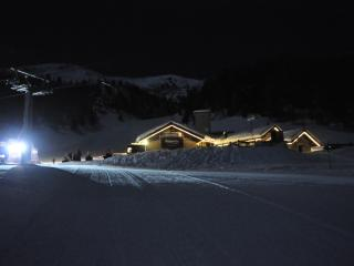 white weeks in a cabin surrounded by ski slopes - Pila vacation rentals