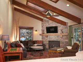 Just remodeled, Free Vail Shuttle, Walk to Gondola - Avon vacation rentals