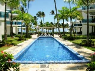 In Beachfront condo, 7 sleeps  with all services - Las Terrenas vacation rentals