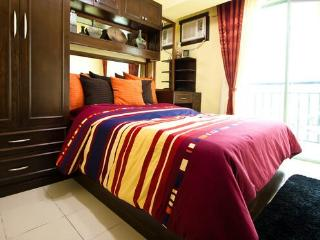 1 Bedroom Affordable  Daily, Weekly & Monthly Rate - Las Pinas vacation rentals