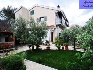 Sibenik - apartment in a quiet suburb - Sibenik vacation rentals
