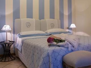 Quiet 6 Bedroom Bed and Breakfast on Florence Hillside - Sesto Fiorentino vacation rentals