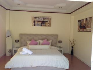 Beautiful 3 Bedroom Bang Tao Villa - Sara Buri vacation rentals