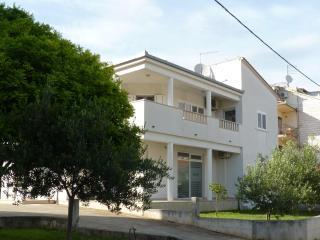 Studio apartment in Trogir - Trogir vacation rentals
