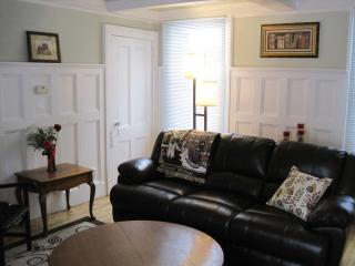 Nice 2 bedroom Condo in Lee - Lee vacation rentals
