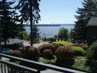 Beach Condo on Lake Washington - Puget Sound vacation rentals