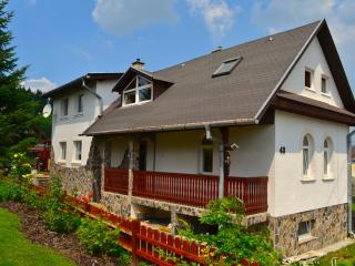 Beautiful 4 bedroom Vacation Rental in Nizne Malatiny - Nizne Malatiny vacation rentals