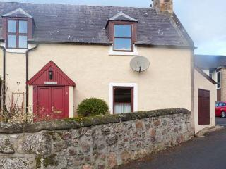 SILOCH, WiFi, pet-friendly, romantic touring base, stone cottage near Nairn, Ref. 904244 - Nairn vacation rentals
