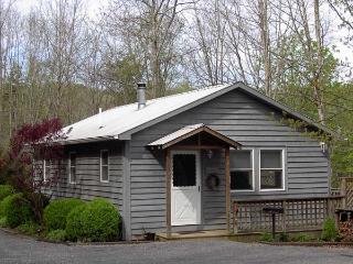 Woodside Cottage at Creekside Resort - Union vacation rentals