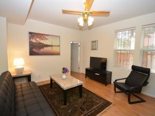 Dupont Adams Morgan Sunny Retreat - Washington DC vacation rentals