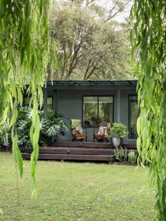 Botanica Editions-Yarra Valley. A private retreat. - Healesville vacation rentals