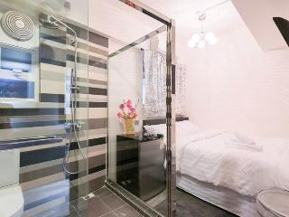 7BedR + 5BathR @ Hennessy Road 09/F - Hong Kong vacation rentals