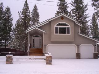 Tahoe Luxury 3 BR/2.5 BA 2006 Exceptionally Gorgeous - South Lake Tahoe vacation rentals