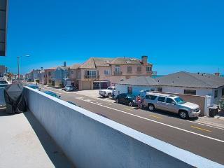4808 B Seashore Drive- Upper 3 Bedroom 2 Baths - Newport Beach vacation rentals
