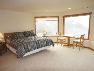 Agate Beach Haven-4bd/3.5 bath sleeps 11 - Bandon vacation rentals