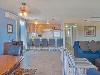 5206 B Neptune- Upper 4 Bedroom 2 Baths - Newport Beach vacation rentals