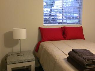 (C) Downtown Private Apartment Steps to downtown! - Austin vacation rentals