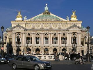 A RARE PARISIAN JEWEL IN OPERA~ 4BR/2.5 BATH APT - Paris vacation rentals