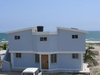 Nice Bed and Breakfast with Internet Access and A/C - Crucita vacation rentals