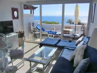Apartment in Playa Flamingo with panoramic sea-views / front to the beach - El Cotillo vacation rentals
