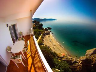 3-Bedroom Seaview Apartment in Nerja Old Town - Nerja vacation rentals