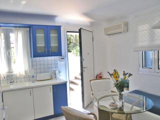 Nice 1 bedroom House in Kalafatis - Kalafatis vacation rentals