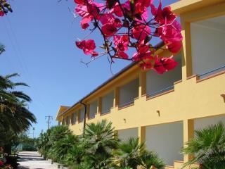 Bilocale soppalcato sul Mediterraneo - Sciacca vacation rentals