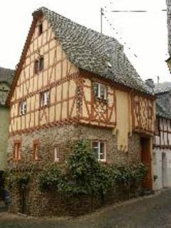 Vacation Apartment in Ediger - 431 sqft, central, historic, half-timbered house (# 4816) #4816 - Vacation Apartment in Ediger - 431 sqft, central, historic, half-timbered house (# 4816) - Ediger-Eller - rentals