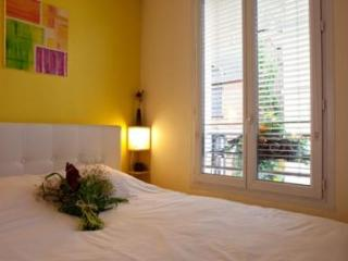 Parisien Comfort in the Heart of Montmartre - 5653 - Paris vacation rentals