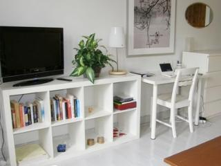Elegant apartment in historic Helsinki neighborhood - 85 - Helsinki vacation rentals