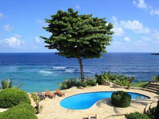 Oceanfront- Lighted Grass Tennis Court - Private Pool - Million Dollar Views - Cabrera vacation rentals