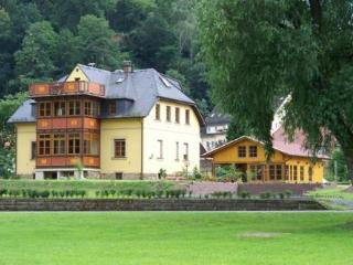 Vacation Apartment in Bad Schandau - 484 sqft, natural, quiet, comfortable (# 4831) - Bad Schandau vacation rentals