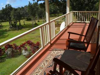 Waiola Guesthouse & Zen Garden - Ka'u District vacation rentals