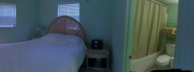 Bedroom & Bathroom Pano - Adorable One Bedroom Cottage 1/2 blk from Beach! - Fort Myers Beach - rentals
