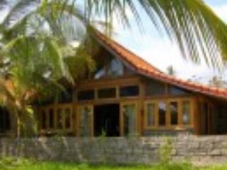 Perfect 3 bedroom House in Suraberata - Suraberata vacation rentals