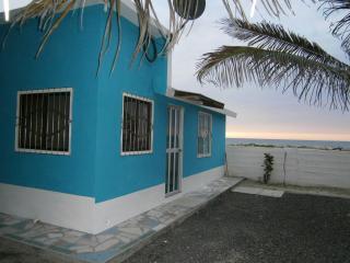 Nice 1 bedroom Crucita B&B with Internet Access - Crucita vacation rentals