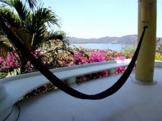 Comfortable Villa with Deck and Shared Outdoor Pool - Zihuatanejo vacation rentals