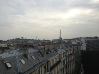 Corner Vacation Rental at Champs Elysees - Paris vacation rentals