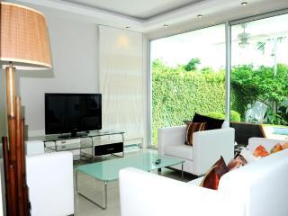 3 BR - Luxury private pool villa in Naiharn - Sao Hai vacation rentals