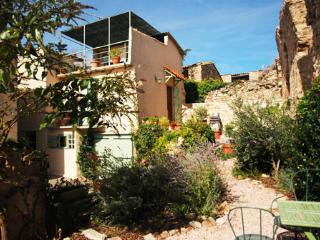 Languedoc House with views,terrace and garden - Languedoc-Roussillon vacation rentals