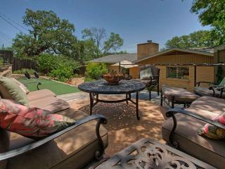 The Top Hat - amazing 3/2 near SOCO and downtown! - Austin vacation rentals