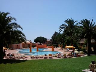 Bright Condo with Internet Access and Shared Outdoor Pool - Cascais vacation rentals