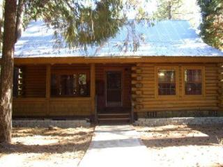 """Peaceful Pines"", Log Home - Shingletown vacation rentals"
