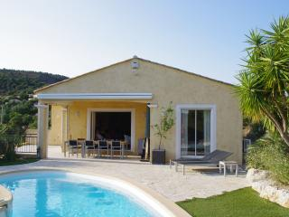 Stunning Hilltop Villa in the St Tropez area 6-8p - Saint-Maxime vacation rentals