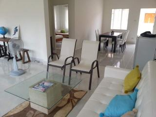 Cozy House with Balcony and Refrigerator - Trang vacation rentals