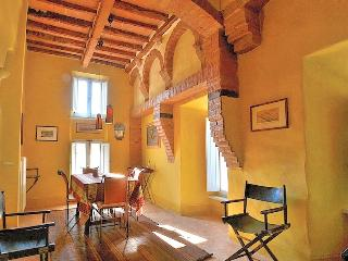 Luxury Borgo House in Val d'Orcia Tuscany - Rome vacation rentals